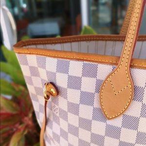 64cffa12a185 Louis Vuitton Bags - Louis Vuitton Neverfull damier azur MM